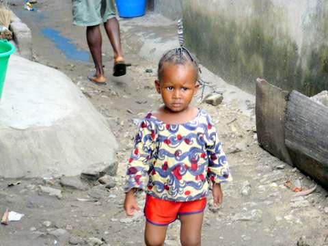 Bambina a Kuassi Le Noir